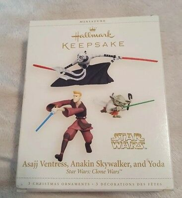 2006 Asajj Ventress, Anakin Skywalker and Yoda Hallmark Miniature Ornament