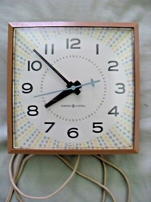 ***vintage General Electric Kitchen Wall Clock***
