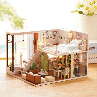 Handmade Miniature Dollhouse 3D Wooden DIY House With Light Great Festive Gift E