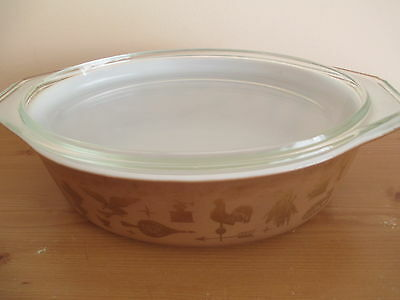 VINTAGE PYREX EARLY AMERICAN AMERICANA OVAL CASSEROLE with COVER, 2.5 QT.