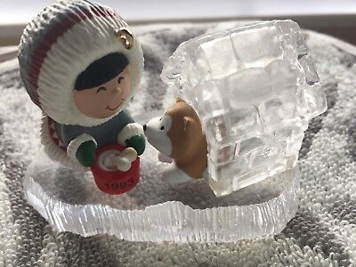 Hallmark Keepsake 1993 Frosty Friends Series Ornament Eskimo Dog Igloo NO BOX