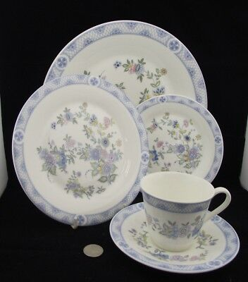 Royal Doulton Coniston H 5030 1973 5 Pc Place Setting  Cup Saucer Dinner Etc