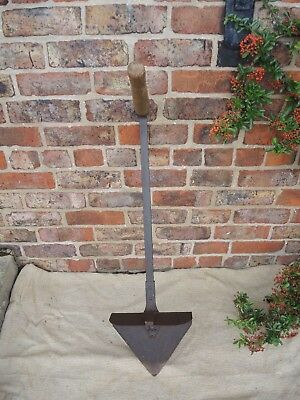 Unusual Heavy Duty Antique Vintage Hay Spade (836)