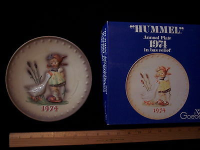 Vintage 1974 Hummel Goebel Germany Annual Plate Goose Girl Hand Painted Box