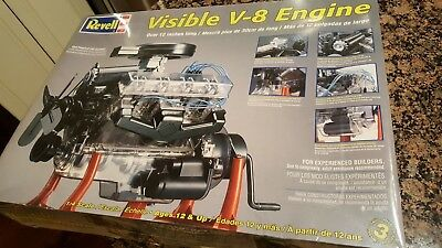 REVELL Visible V-8 Engine 1:4 Scale Model. Hand Crank. Large Box New Sealed