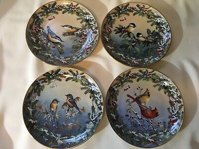 Set of 4 Vintage Collectible  Plates Winter Garlands Sam Timm Bradford Numb.1995