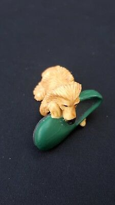 Vintage PUPPY IN MY POCKET 1994 MEG figure: dog with green slipper