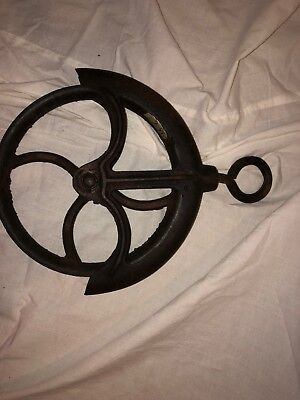 antique cast iron water well/barn pulley