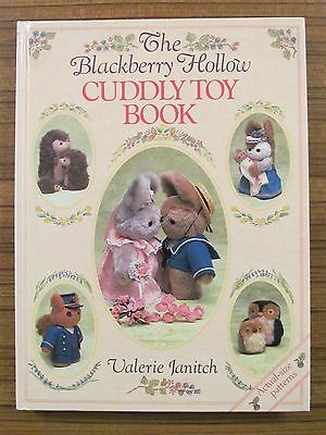 The Blackberry Hollow Cuddly Toy Book - Valerie Janitch Animals Hard Cover