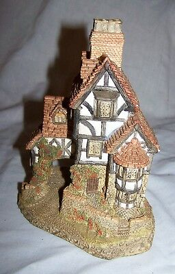 1985 David Winter Squires Hall-Hand made, hand-painted-Great Britain