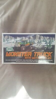 2007 HESS Monster Truck with Motorcycles