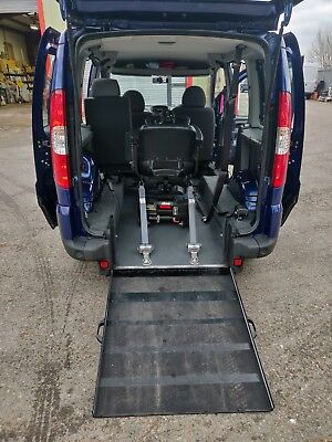 2011 Fiat Doblo wheelchair accessible vehicle
