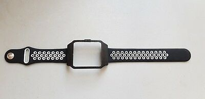 Sony SmartWatch 3 SWR50 Black Housing (Adapter) & White Dots Silicone Strap