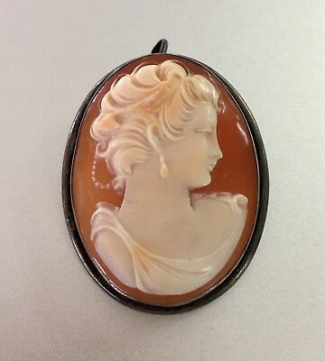 Beautiful! Vintage Hand Carved Shell Cameo LADY Silver Frame Brooch Pendant