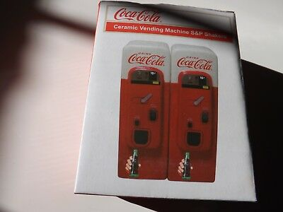 Coca-Cola Vending Machine: Home Collectible Salt and Peppper Shaker Set