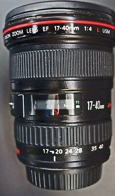 CANON EF 17-40 mm F/4.0 L USM LENS WITH ,  CASE, LENS HOOD 😱