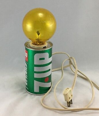 Vintage 7-Up Soda Can Flickering Light with HTF Original Bulb - 1970s Wet & Wild