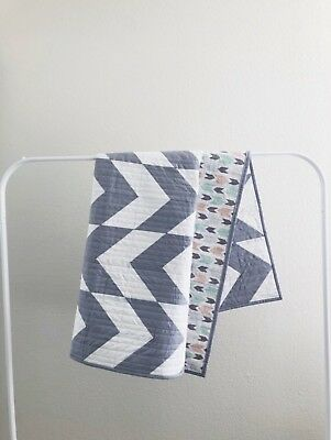 Gray And white Arrow Handmade Baby Quilt, Modern  baby Quilt