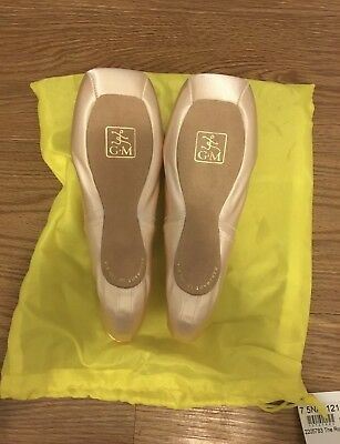 SALE - NEW Gaynor Minden pointe shoes size 7.5