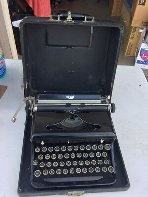 1930S Royal Model O Touch Control Portable Typewriter With Case, Very Nice