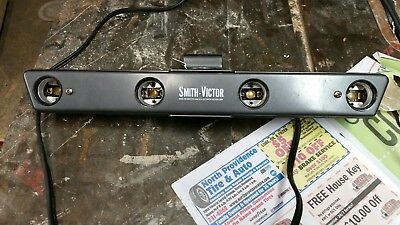 Vintage Smith-Victor Model L 50 Light Bar 4 Blub 1200 Watt