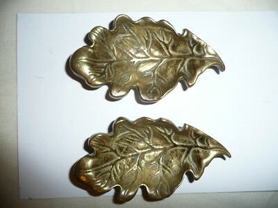 Nice Vintage Small Oak LEAF'S Design Cast Brass Set/ Pair of Trinket/Pin Dishes.