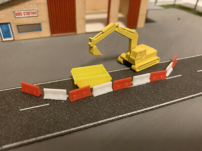 N Scale JCB Style Digger X2 N Guage Black tracks and bucket