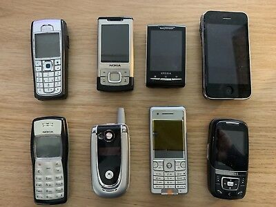 JOB LOT OF 10 mixed mobile phones - selling for spare parts