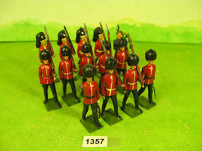 vintage britains lead soldiers scots guards & highlanders 1357
