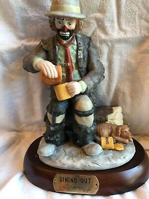 """Flambro EMMETT KELLY JR. """"DINING OUT"""" Figurine Statue with Wooden Base"""