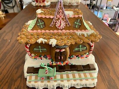 The Danbury Mint Gingerbread House - Gingerbread Junction