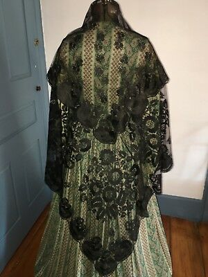 Beautiful Antique C1860 Hand Embroidered Net Floral Silk Lace Shawl Ex Condition