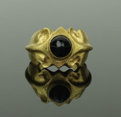 Ancient Roman Gold & Garnet Ring - Circa 2Nd Century Ad   0223