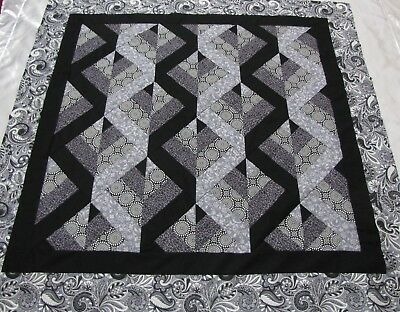 """PATCHWORK Zig Zag Quilt Top PIECED~""""Black/Gray 2"""" Medallion,Wall,Lap  55""""Sq USA"""