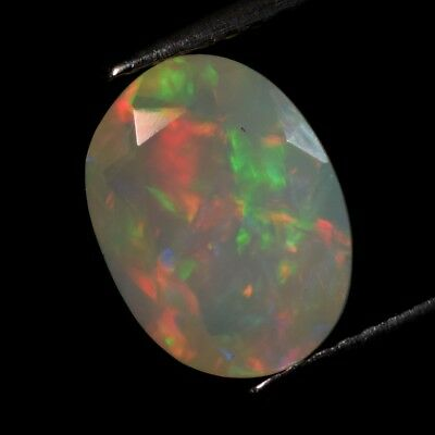 Good Flash 1.87ct Oval Natural Play-of-Color Crystal Welo Opal, Ethiopia