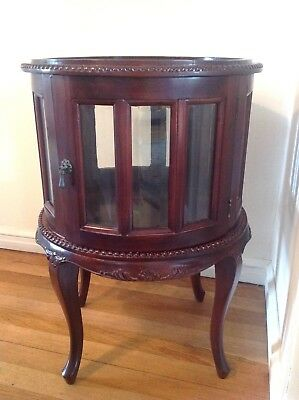 Antique Style Lamp Drum Table/Cabinet