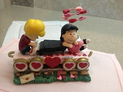 Peanuts Valentine Express Train Car Schroeder at Piano with Lucy