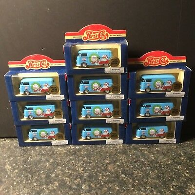 Pepsi-Cola.Die Cast Christmas Santa Claus VW Van - Lledo/England - Lot 4