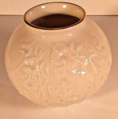 Lenox Ball Vase Ming Blossom Collection Ivory Embossed with 24k Gold Trim
