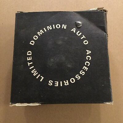New Old Stock Dominion Auto Fender Signal Light 70-6072 Saf-T-Ray