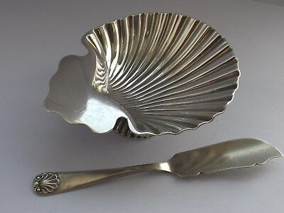 VICTORIAN SOLID SILVER SCALLOP SHELL BUTTER DISH & KNIFE 71g LONDON 1870