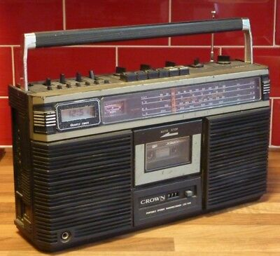 Crown CSC-646 Portable Stereo/Ghetto Blaster/Boombox