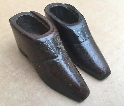 Victorian Snuff Boxed Wood Carved Pair Of Shoes Antique Without Cover