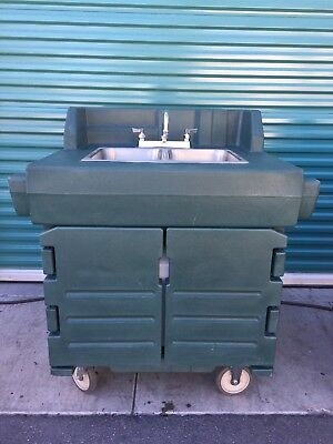 Cambro KSC402 Kiosk Hand Sink Wash Cart Hot & Cold Water Portable Station