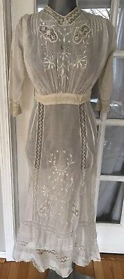 Antique Edwardian dress: embroidery, lace, fine cotton and Pleating