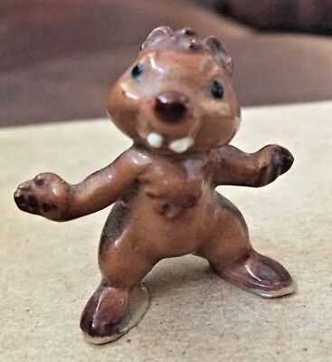Retired Hagen-Reneker miniature chipmunk with outstretched arms