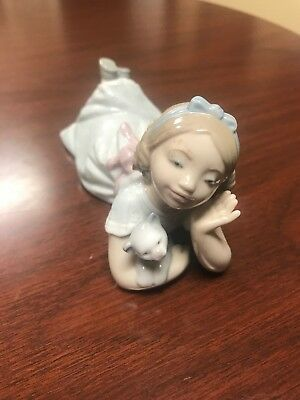Lladro Porcelain #6987 Figurine How Sweet! , Girl with Cat Kitten, Excellent