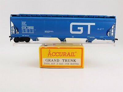 HO Accurail RTR 2014 GTW Grand Trunk 3-Bay Centerflow Covered Hopper #138132