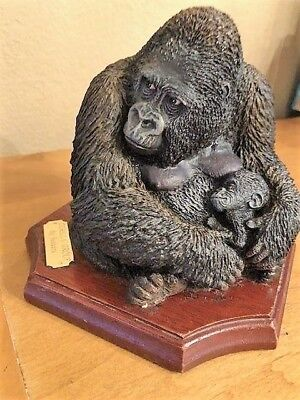 Vintage Bossons Gorilla Group, Rare, Made in England – Excellent Condition