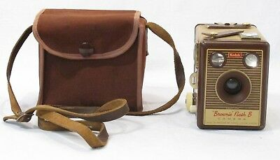KODAK BROWNIE FLASH B BOX CAMERA + CASE Thames Hospice B 102 A